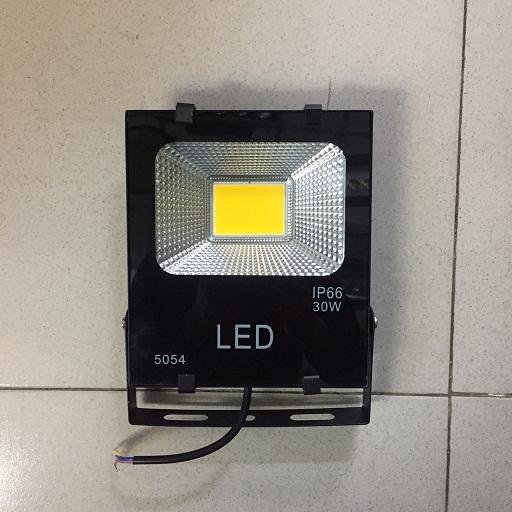 đèn pha led 30w vỏ đen