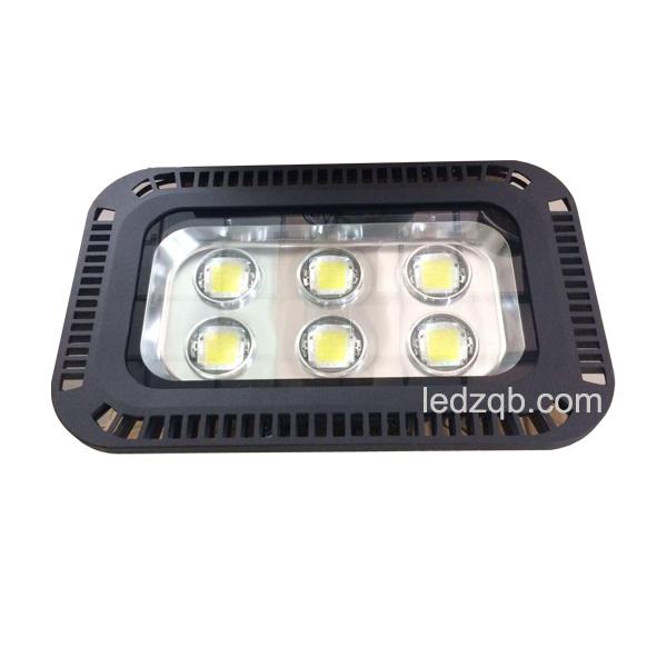 Đèn LED 300w